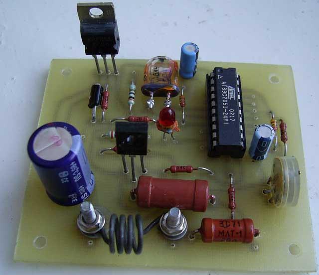Схема зарядного устройства для заряда батареи напряжением 12В Простое...